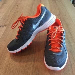 Like New Nike Sneakers - Men's size 8 - worn once!